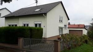 Ein- bis Zweifamilienhaus in ruhiger Ortsrandlage